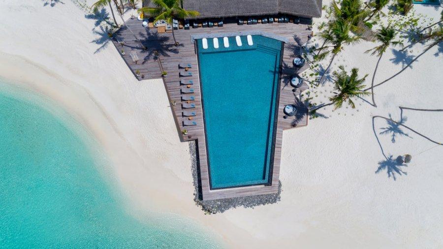 Maldivler Havuzlu Otel